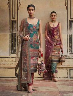 2019 Sabyasachi Charbagh Bridal Lehenga collection has a bunch of traditional red wedding lehengas, some gorgeous destination wedding outfits + lots more. Salwar Designs, Kurta Designs Women, Kurti Designs Party Wear, Indian Wedding Outfits, Indian Outfits, Wedding Dress, Pakistani Dresses, Indian Dresses, Indian Sarees