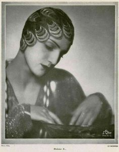 Cloche hat by Madame Le Monnier, 1920s.