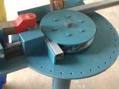 Maquina de Curvar Tubos e Metalon - YouTube Metal Bending Tools, Metal Working Tools, Metal Tools, Diy Arts And Crafts, Hobbies And Crafts, Cool Tools, Diy Tools, Welding Projects, Woodworking Projects