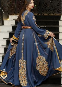 Morrocan Wedding Dress, Moroccan Caftan, Abaya Fashion, Ethnic Fashion, Fashion Dresses, Indian Gowns Dresses, Royal Dresses, Traditional Dresses Designs, Traditional Outfits