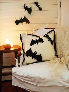 Easy to make felt pillow  (hgtv)