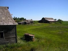Oldabanded farm photos | via allan deeg