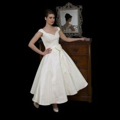 Timeless Chic Ivory Tea Length 1950s Style Wedding Dress With Cap Sleeve