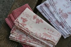 How To Make Washable Napkins From Bed Sheets
