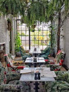 Greenhouse Lunching & Offbeat Hunting in East London Tucked away in an overlooked neighbourhood of East London, quieter and smaller than Shoreditch but with the potential to outshine Brick Lane, Exmouth Market Patio Interior, Cafe Interior, Interior And Exterior, Deco Restaurant, Restaurant Design, Greenhouse Restaurant, Greenhouse Bar, Commercial Design, Commercial Interiors