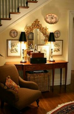 Outstanding This is what 526 T. Street's Living Room would look like with TRADITIONAL DECOR – This is a little bit eerie:-) The post This is what 526 T. Street's Living Room would look like with . Foyer Decorating, Interior Decorating, Interior Design, Decorating Ideas, Decor Ideas, 31 Ideas, Traditional Decor, Traditional House, Living Room Decor Traditional