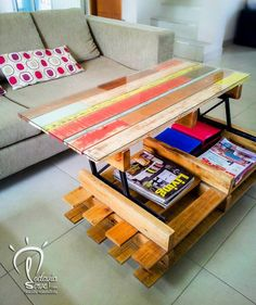 We love this coffee table made from repurposed pallets which is design and modular with the upper tray that rises, perfect for eating in front of the TV :) A nice work by Todavia Sirve !    https://vimeo.com/120130367   #Design, #LivingRoom