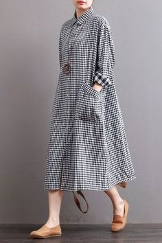 Fabric: LooseSeason: Autumn,WinterType: DressPattern Type: PlainSleeve Length: Long SleeveColor: Black White PlaidStyle: CasualMaterial: LinenNeckline: One ShoulderSilhouette: DressMeasurement: Length:109 cm, Shoulder Width:51 cm, Bust:122 cm,Sleeve Length:52 cm,Cuff:22 cm,Waist:132 cm