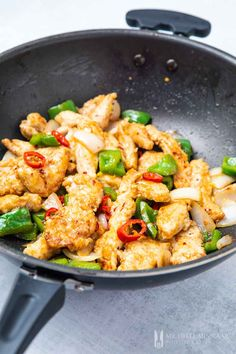 Salt and Chilli Chicken - try this simple Chinese chilli chicken recipe! Salt and Chilli Chicken - replicate this simple Chinese chilli chicken recipe Chilli Recipes, Yummy Chicken Recipes, Stir Fry Recipes, Asian Recipes, Healthy Recipes, Recipe Chicken, Chinese Recipes, Simple Cooking Recipes, Recipes With Chicken And Peppers
