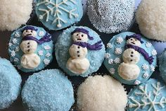 CHRISTMAS-CAKE Cupcake Snowmen in winter white & wintery blue