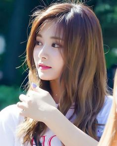Twice Tzuyu 周子瑜 Pretty Asian, Beautiful Asian Girls, Most Beautiful, Kpop Girl Groups, Korean Girl Groups, Kpop Girls, Nayeon, Korean Beauty, Asian Beauty