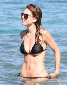 Maria-Menounos---wearing-a-bikini-at-a-beach-in-Greece---adds--09.jpg (1650×2084)