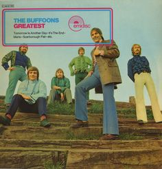 The Buffoons greatest - how many tracks?