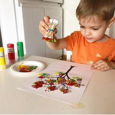 """Gefällt 2,119 Mal, 23 Kommentare - Okul Öncesi Öğretmeni (@okuloncesietkinlik) auf Instagram: """"Kulak pamuklariyla renklenmis sonbahar agaci 🍁🍂🍁 Parmak boyasi kullanabilirsiniz 🙋🏻 Fotograf👉🏼…"""""""