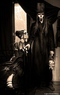 A la muerte - Baron Samedi & Maman Brigitte  ♠ http://www.flickr.com/photos/sektoo93/with/4308018565/ ♠ http://www.facebook.com/LightsMakerStudio ♠ http://lightsmakerstudio.wix.com/lightsmakerstudio#!