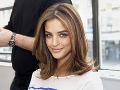 I'm a sucker for a step-by-step. Spotted this 6-step blow-by-blow on achieving swingy summer hair yesterday on MarieClaire.com and thought I'd share. Love this model's breezy cut and caramel colour, and of course the tips from celeb style pro Mark Townsend are solid too. His client list includes Natalie Portman and Ashley Olsen. Click here to hit there.Image borrowed from MarieClaire.com