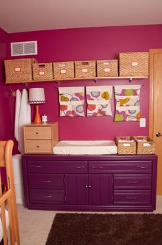 very clever and organized!    though I could probably use this now ... in my office/craft room/dining room ... it's a small apartment what's a girl to do ...
