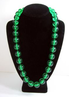 BIG-BRIGHT-BUBBLES-BEADS-in-Clear-Green-NECKLACE-Vintage-26-Length-Chunky-Funky