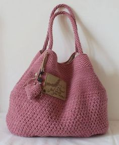Marvelous Crochet A Shell Stitch Purse Bag Ideas. Wonderful Crochet A Shell Stitch Purse Bag Ideas. Crochet Purse Patterns, Bag Crochet, Crochet Shoes, Bag Patterns To Sew, Crochet Handbags, Crochet Shell Stitch, Crochet Purses, Cute Crochet, Crochet African Flowers