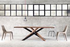 Ιδιαίτερες γραμμές στην τραπεζαρία σας.. www.athinaikiepiplogrammi.gr  #table #dinner #furniture #modern #oak #walnut