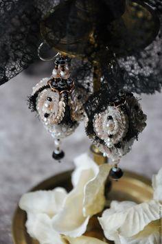 """Купить Серьги """"Рождественские бутоны"""" - черно-розовый, пыльная роза, черный, объемные серьги"""