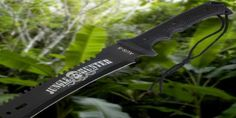 Jungle Hunter Machete - This is a dream blade! Sharp sawback, handlegrip, and just a sick toothpick.  Check out the details here: http://theapocolypsewaitingroom.com/machetes/jungle-hunter-machete/  $24.42  #Machete, #Sawback, #Black-Savage
