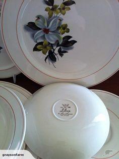 Crown Lynn Lilian Pieces | Trade Me