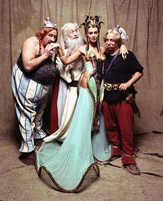 Monica Bellucci as Cleopatra - Asterix and Obelix