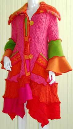 Farb-und Stilberatung mit www.farben-reich.com - Whimsical Pink and Orange Petunia Style Sweater Coat