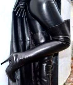 Thigh High Boots Heels, Sexy High Heels, Heeled Boots, Fashion Boots, Women's Fashion, Rubber Catsuit, Female Supremacy, Black Outfits, Pvc Vinyl