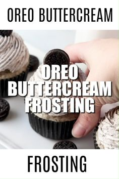 cake decorating videos Oreo Buttercream Frosting is the BEST frosting youll ever eat. It tastes JUST LIKE AN OREO and is perfect as a cake frosting or a cupcake frosting! Oreo Frosting, Oreo Buttercream, Cake Frosting Recipe, Frosting Recipes, Oreo Cake Filling Recipe, Easy Cupcake Frosting, Frost Cupcakes, Cupcakes Oreo, Gourmet Cupcakes