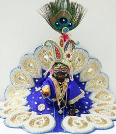 Bal Krishna, Jai Shree Krishna, Radhe Krishna, Laddu Gopal Dresses, Bal Gopal, Ladoo Gopal, Swami Vivekananda, Lord Krishna Images, God Pictures