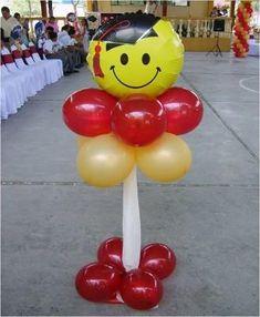 adornos con globos para graduacion universitaria
