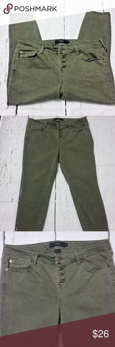 """Torrid Denim Womens Cropped Capri Jeans 18 Stretch Torrid Denim Womens Capri Cropped Jeans Green Button Fly Stretch Size 18  Waist: 19"""" laying flat Rise: 11"""" Inseam: 24""""  Trusted seller. Fast shipping.  Thank you for stopping in. Please follow our store. Amazing deals are added daily. torrid Jeans Ankle & Cropped"""