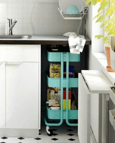 10 Functional & Flexible IKEA Products for Small Spaces. I have this small space free underneath our bathroom sink. Ikea seems to have the solution Small Kitchen Storage, Pantry Storage, Smart Storage, Storage Hacks, Storage Ideas, Ikea Storage, Creative Storage, Extra Storage, Raskog Ikea