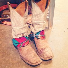 Custom Painted Feather Spur Straps by idlewildranchdesigns on Etsy
