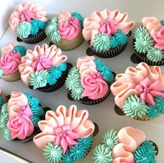 Floral Cupcakes, Fancy Cupcakes, Yummy Cupcakes, Cake Decorating Piping, Cookie Decorating, Cupcake Cake Designs, Cupcake Cakes, Buttercream Cupcakes, Frosting