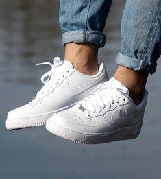 sports shoes 96dea f2bd1 Macho Moda - Blog de Moda Masculina NIKE AIR FORCE 1 Dicas de Looks  Masculinos pra Inspirar, Moda Masculina, Roupa de Homem, Sneakers, Tênis Nike  Air ...