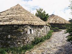 Rounded Thatched Pallozas of Celtic Origin, Cebreiro, Lugo Area, Galicia, Spain