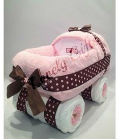 Exclusive gift for a new baby or beautiful centerpiece at a Baby Shower. Handmade by Lovely gifts. www.metdehand.nl