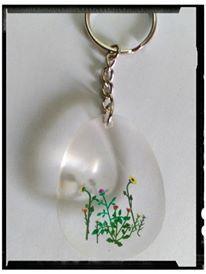 Schlüsselanhänger - Schlüsselanhänger Blumen H0 in Harz gegossen - ein Designerstück von Astrid-Zauberstuebchen bei DaWanda