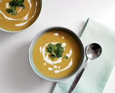 Mulligatawny Soup: Hearty chicken and lentil soup bursting with South Asian flavours!