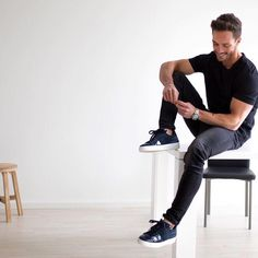 Daniel wearing the #HOGAN Pure H280 #sneakers for a glamorous total black look  Join the #HoganClub #lifestyle and share with us your @hoganbrand pictures on Instagram