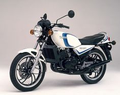 Yamaha 350 RDLC. Une légende de la moto. Mes premiers amours avant les garçons...:)