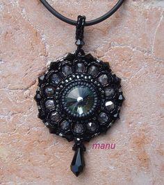 pendentif Kiki by Manu.  (Part 1 of 4) à voir sur: http://beadsmagic.com/?p=651#more-651