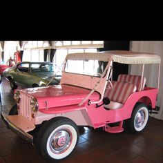 Willys JEEP Surrey Gala __________________________ Reposted by Dr. Veronica Lee, DNP (Depew/Buffalo, NY, US)