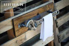 Teds Wood Working - Industriel clé porte-serviette par urbanwoodandsteel sur Etsy - Get A Lifetime Of Project Ideas & Inspiration!
