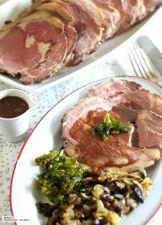 Lomo de buey a baja temperatura con setas y kale crujiente. Receta de fiesta Carne Asada, Sous Vide, Kale, Main Dishes, Steak, Food And Drink, Pork, Beef, Ideas Para