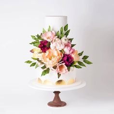 """Instagram: """"Can you believe these flowers are made from sugar?via @cake_ink x  ... Cake Ink. Celebration cakes and accessories online.  janelle@cakeink.com.au www.cakeink.com.au"""