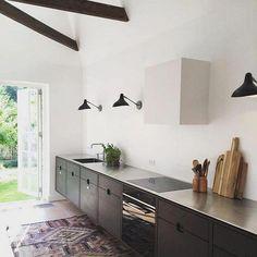 33 Innovative Kitchen Cabinet Ideas Trend in 2019 Kitchen Ikea, Kitchen Furniture, New Kitchen, Kitchen Decor, Kitchen Lamps, Long Kitchen, Kitchen Island Table, Kitchen Island With Seating, Kitchen Cabinet Colors